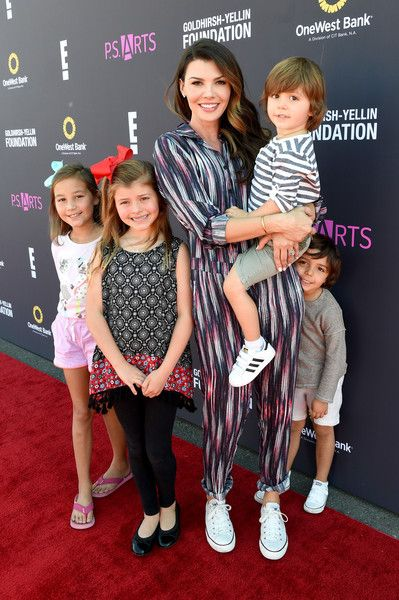 Ali Landry Photos Photos - Actress Ali Landry attends P.S. ARTS and OneWest Bank's Express Yourself 2016 at Barker Hangar on November 13, 2016 in Santa Monica, California. - P.S. ARTS' Express Yourself 2016