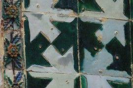 Charakterystyczne punkty podpracia widoczne na historycznych płytkach azulejo