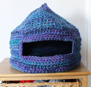 Generous sized Cat Bed for your fur baby/babies