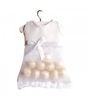 Contenant dragées robe voile cuir blanc http://www.abcdragees.com/contenants-dragees/453-contenant-dragees-robe-voile-cuir-blanc-5420064200737.html