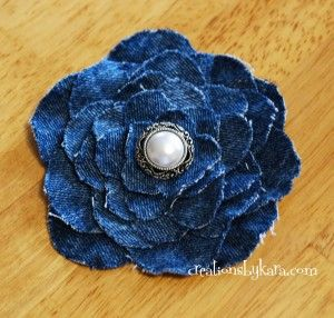 Upcycle your old jeans into this shabby chic denim flower! my-crafts-diy-projects-and-tutorials