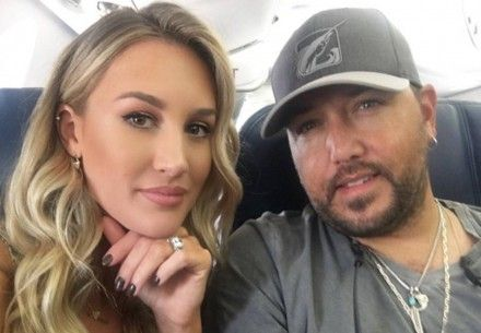 Jason Aldean's wife Brittany Kerr always looks flawless on and off the red carpet. Learn her secrets to perfect everyday foundation makeup here!