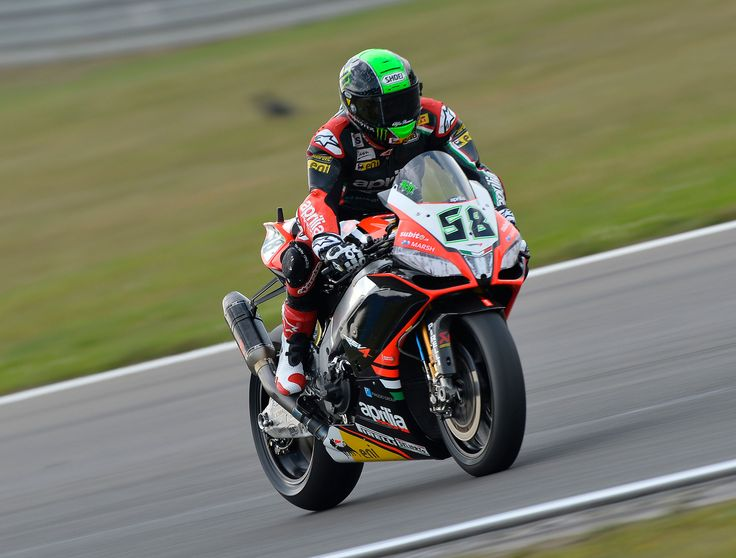 Friday Nominal gaps in the first two sessions of #World Superbike at the #Nurburgring. Sylvain #Guintoli's shoulder is holding up well and the French championship standing leaders is optimistic about the superpole. Good feelings for Eugene #Laverty, just a few tenths off the pace of aim for the top.