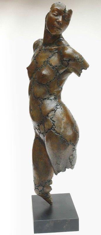 philippe morel: patricia - Photo de philippe morel: bronzes - Philippe Morel sculpteur...la vie de l'atelier.