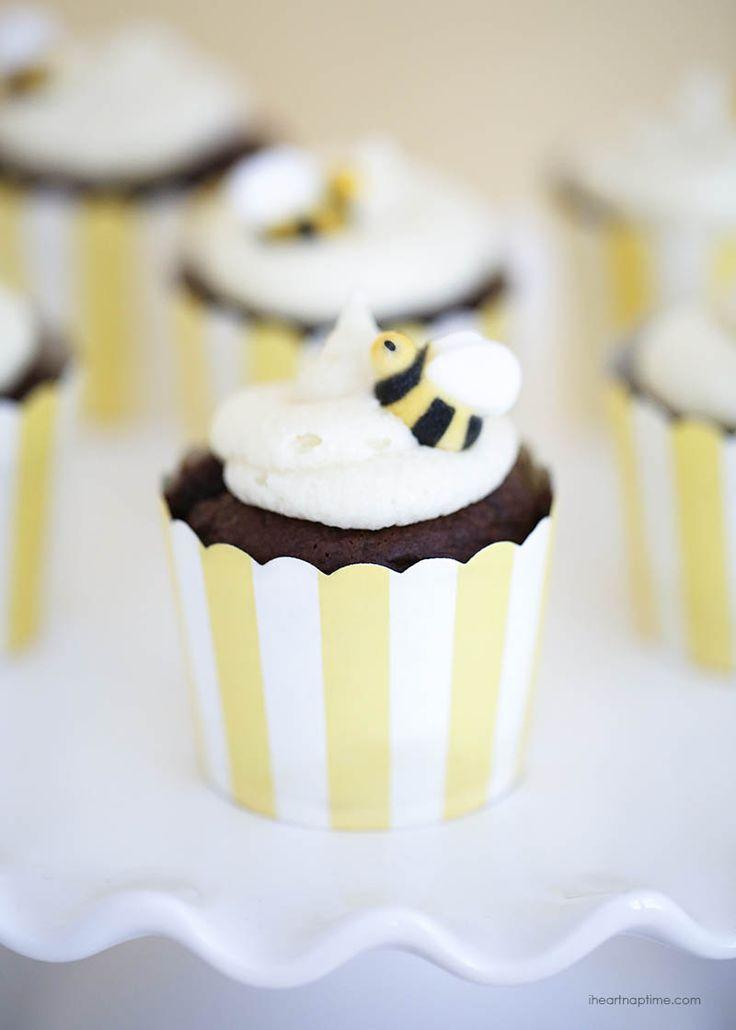 Adorable Bumblebee Cupcakes #bee #buzz