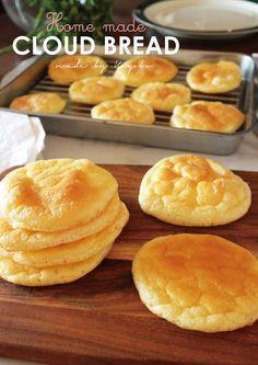 糖質オフ『クラウドブレッド』 海外発!炭水化物オフパン 「クラウドブレッド」を作ってみました♡糖質オフ&グルテンフリーで低カロリー。材料 (直径5~7cm(9枚)) 卵 2個 クリームチーズ 50g ベーキングパウダー 小さじ1 ラカントS 小さじ1 作り方 1 材料 2 卵を卵黄、卵白に分けます。クリームチーズは常温で柔らかくしておきます。3 オーブン170°に予熱しておきます。4 ハンドミキサーで卵白を泡立てます。5 途中、ベーキングパウダーとラカントを入れ、泡立てます。6 しっかり角が立つまで泡立てます。(メレンゲ)7 卵黄にクリームチーズ入れます。8 ハンドミキサーでしっかり混ぜます。(ハンドミキサーは洗わずそのまま使用)9 そこに5のメレンゲをそっと入れ、泡をくずさない様にヘラで切るように混ぜます。11 天板にオーブンシートを敷き、スプーンで円形にふんわり高く盛るように置きます。(手早く)12 オーブン170°で15~20分焼きます。焼き具合は調節してください。13 焼き上がった状態14 出来上がり♪
