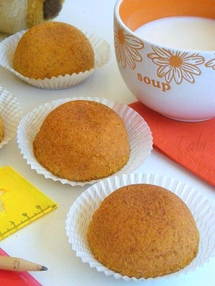 LE CAMILLE casalinghe- Soffici semisfere alla #carota, succo  di #arancia e #mandorle. Morbidissime e piacevolmente umide.Una ricetta degna di nota.