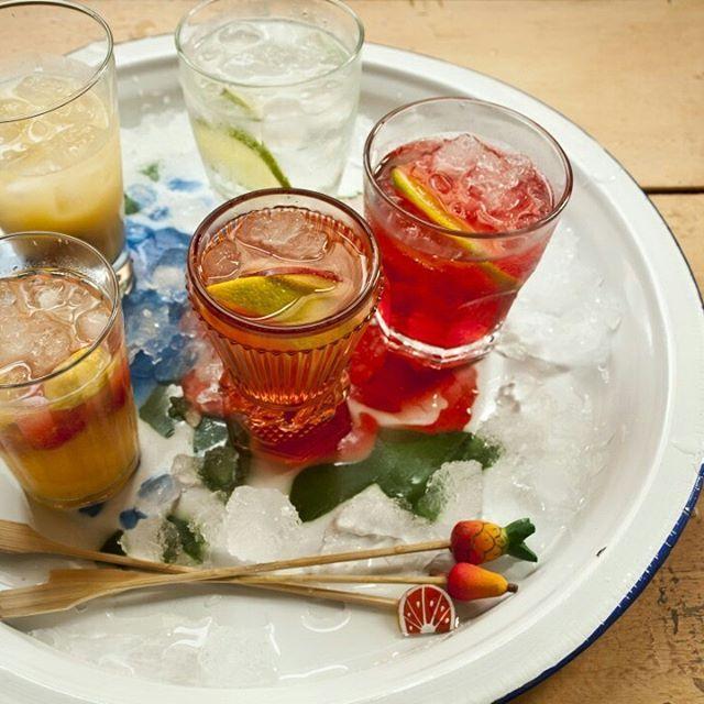 Negroni | Rececita Panelinha:  O Negroni é um drinque italiano bem classudo, ótimo para ser servido como aperitivo. E o melhor de tudo é que é super fácil de preparar e delicioso. Tintin!