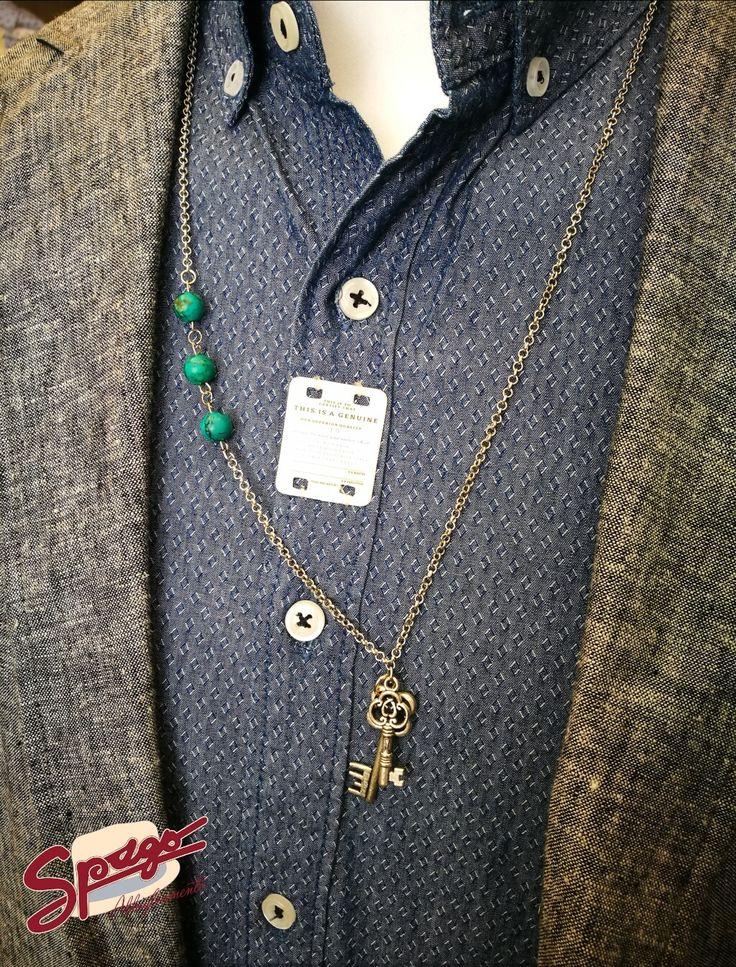 Camicia --> acquistabile anche su  👉🏼http://www.spagoabbigliamento.it/prodotto/camicia-breadbuttons-effetto-jeans/  Collana GL_Officina_Creazioni - Fatta a mano in Italia  Giacca di lino - Made in Italy  #SpagoAbbigliamento #AbbigliamentoUomo #SpagoUomo #AccessoriUomo #NuoviArrivi #NuovaCollezione #NewCollection #SpringSummer2017 #Outfit #Proposta #Camicia #Shirt #Collana #Necklace #Giacca #Jacket #MadeInItaly  Ravenna24Ore Abbigliamento Uomo