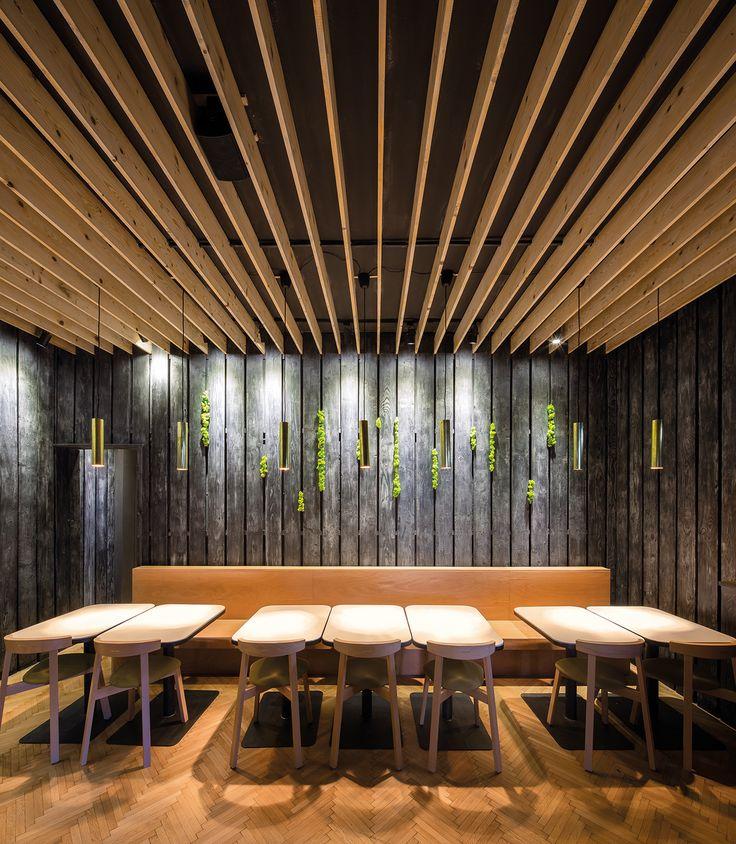 În completarea temei celui mai nou număr igloo, în paginile căruia prezentăm cafenele, baruri și restaurante, am pus în lista de mai jos spații din oraș descoperite și prezentate de noi în 2016 care ne-au impresionat prin amenajările creative. Sperăm că alegerile igloo vor fi utile în…