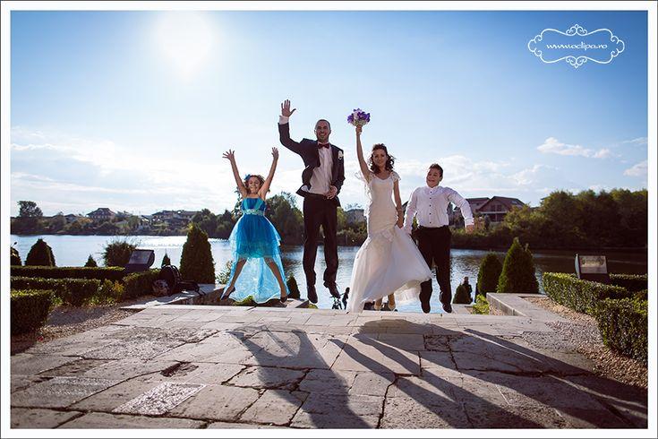 Trucuri pentru miri Nu este un secret pentru nimeni ca organizarea unei nunti este o sarcina dificila si foarte stresanta pentru viitorii miri, cu atat mai mult cu cat trebuie sa tina cont de foarte multe detalii, unele controlabile, altele total neasteptate. Ziua nuntii este, la randul sau, foarte stresanta, caci acum se pot intampla …