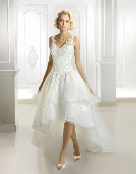Robes de mariée courtes devant et longues derrière: un succès assuré! Image: 6