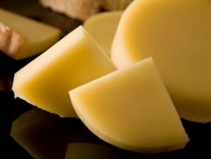 Il Provolone Valpadana è un formaggio DOP a pasta filata.
