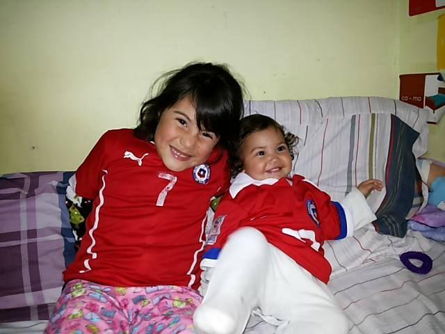 En casa de Elena todos apoyan a la selección chilena https://instagram.com/babytuto/