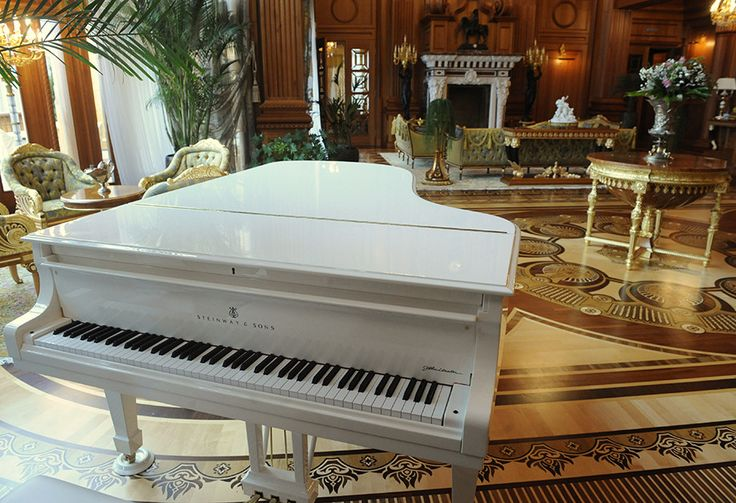 VIKTOR YANUKOVYCH The reception room at Mezhyhirya boasts a Steinway & Sons grand piano modeled after the piano that former Beatles singer John Lennon gave to his wife, Yoko Ono, on her 38th birthday.
