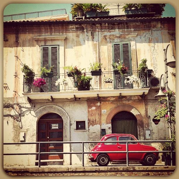 #all, #family, #essence, #pic, #instabuilding, #rent, #balcony, #story, #italy, #memories, #italia, #retro, #many, #red, #igersabruzzo, #beauty, #instacar, #abruzzo, #onboardfiat, #igers, #flowers, #architecture, #fiat, #likes, #vasto, #car, #instagood, #500, #igersitalia, #history