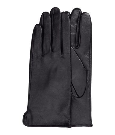 Premium quality - yet affordable H&M Leather gloves $29.95. The prefect accessory for your winter wardrobe.