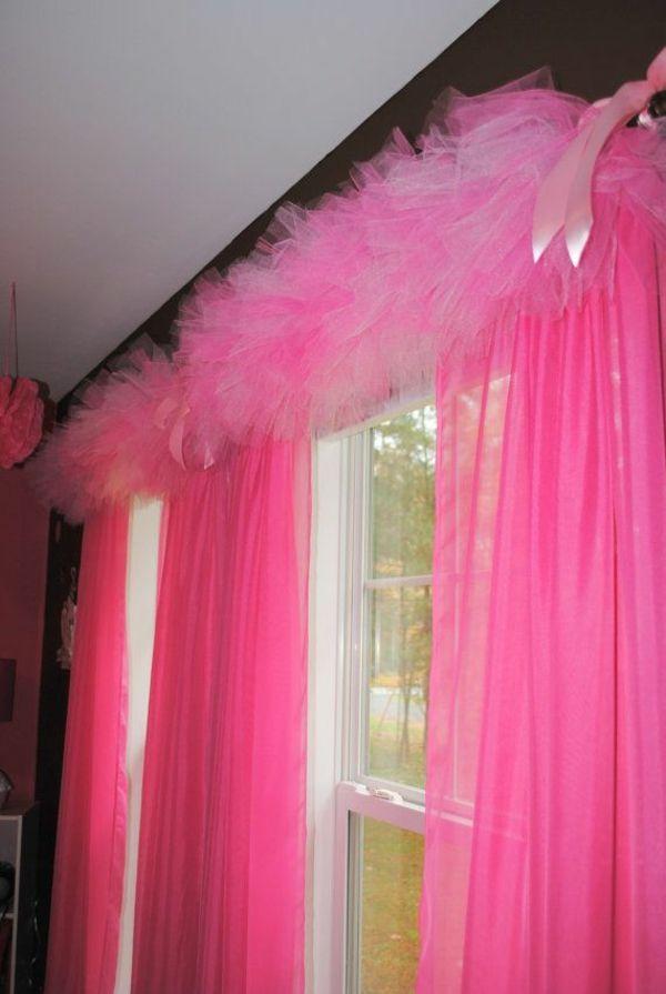 ❤️Cute for a little girl's room, the tulle makes a statement.❤️ fenstergardinen gardinen dekoration beispiele rosa mit tüll