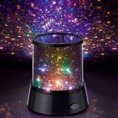 Zaubern Sie sich den Nachthimmel mit tausenden funkelnder Sterne nach Hause, direkt an Ihre Wohnzimmer- oder Schlafzimmerdecke und tauchen Sie so jeden Raum in ein atemberaubendes Lichtspiel. Dieses Erleben Sie eine  atemberaubende Mittsommernachts-Atmosphäre:  Lassen Sie Tausende Sterne einfach an Ihrer Wand oder Decke erstrahlen.    Ein tolles Schauspiel in Wohnzimmer, Schlafzimmer...