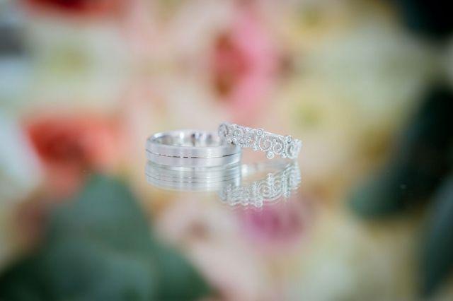 #trouwring #trouwringen #ringen #verloving #trouwen #bruiloft #inspiratie #wedding #engagement #ring #inspiration   Photography: RiCon Fotografie   ThePerfectWedding.nl
