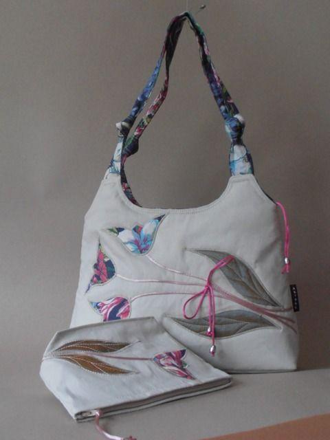 Törtfehér tulipános táska szett, egyedileg applikált mintával