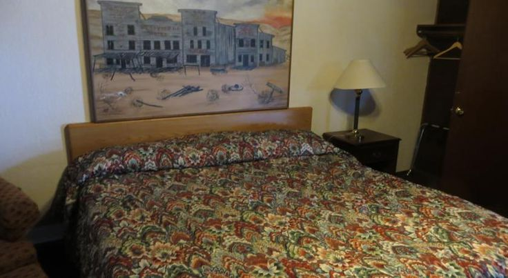 Motels near Westward Ho Sports Bar Grand Forks is a pet friendly Motel across the parking lot from Northside Cafe
