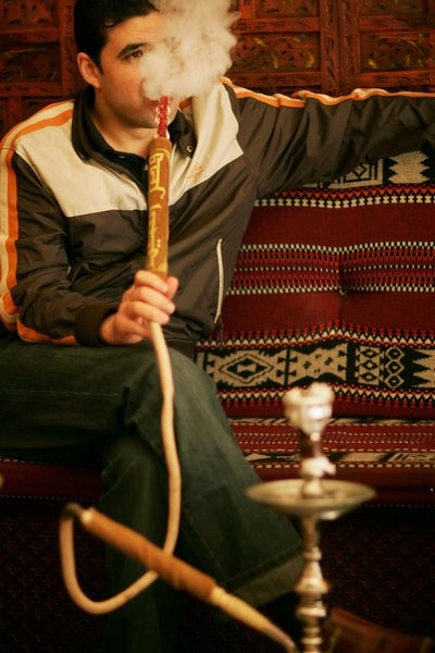 Teenage hookah smoking rates must be reduced, experts say