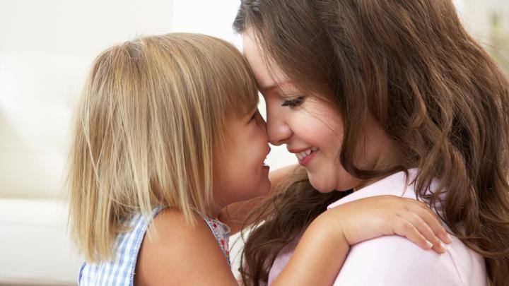 6 moments câlins avec notre enfant