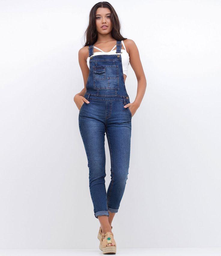 Macacão feminino  Modelo longo  Com bolso  Marca: Blue Steel  Tecido: jeans  Composição: 79% algodão; 20% poliéster; 1% algodão  Modelo veste tamanho: P         Medidas da modelo:     Altura: 1.75    Busto: 86   Cintura: 64   Quadril: 94         COLEÇÃO VERÃO 2017     Veja outras opções de    macacões femininos.