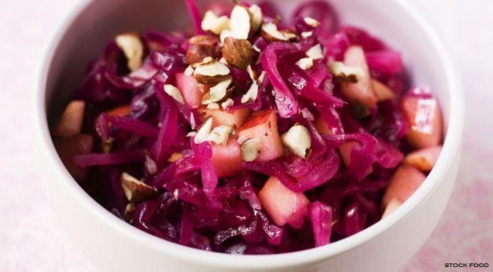 Menu di Natale vegano: insalata di cavolo rosso