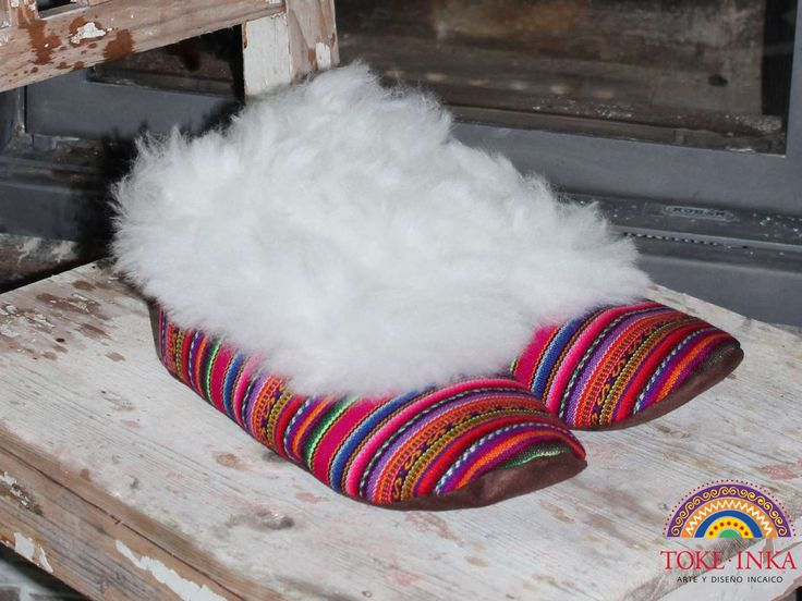Slippers made of aguayo