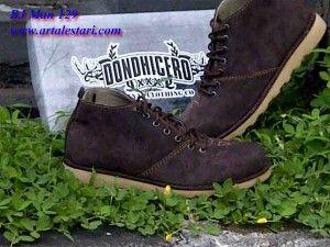 Sepatu Casual Murah Koleksi Sepatu Casual Pria Kami.   Contact kami : SMS Center : 081315979176 / 085725396070 BB Messenger : 22335085