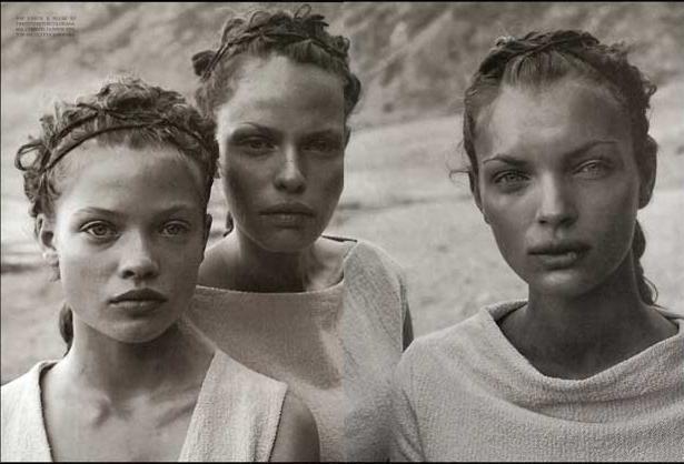 Vogue Italia - Deserto - Esther Cañadas by Peter Lindbergh May 1998