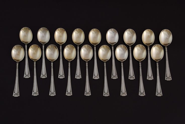 Set of 18 dessert spoons, Berlin