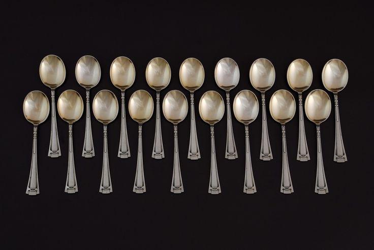 Set of 18 dessert spoons, Berlin