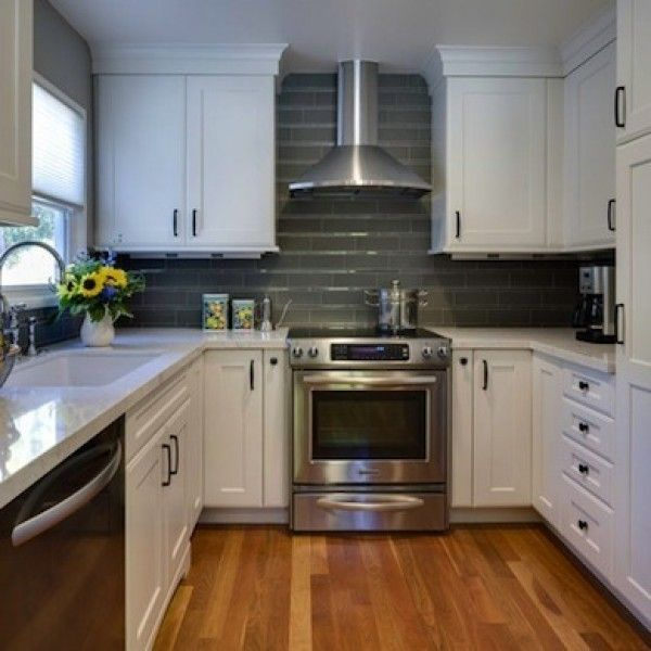 25 best ideas about very small kitchen design on pinterest little kitchen room color design for Small kitchen designs pictures and samples