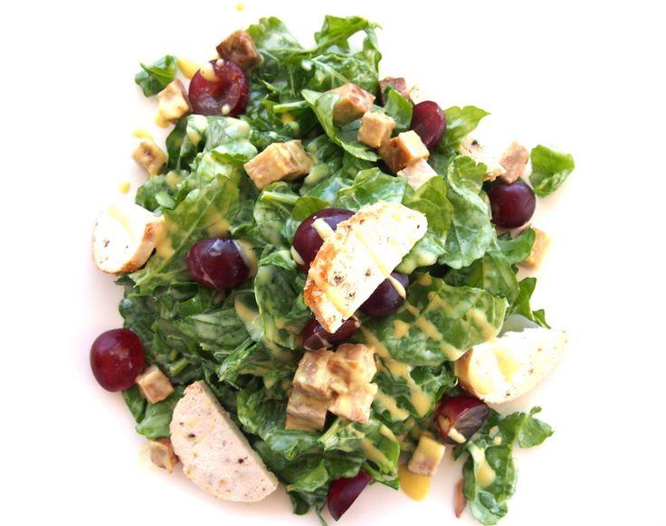 Φύλλα ρόκας με πιπεράτο ανθότυρο  Αρκαδίας, κρουτόν πανσέτας , σταφύλια και μηλόξυδο... Δροσερές καλοκαιρινές γεύσεις στο Palmer's!