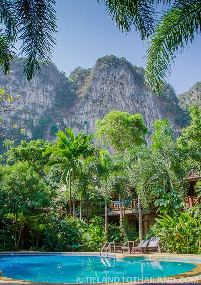 Look at that pool-side view of the cliffs! A resort near the beautiful beaches of Krabi, Thailand  |  Tieland to Thailand