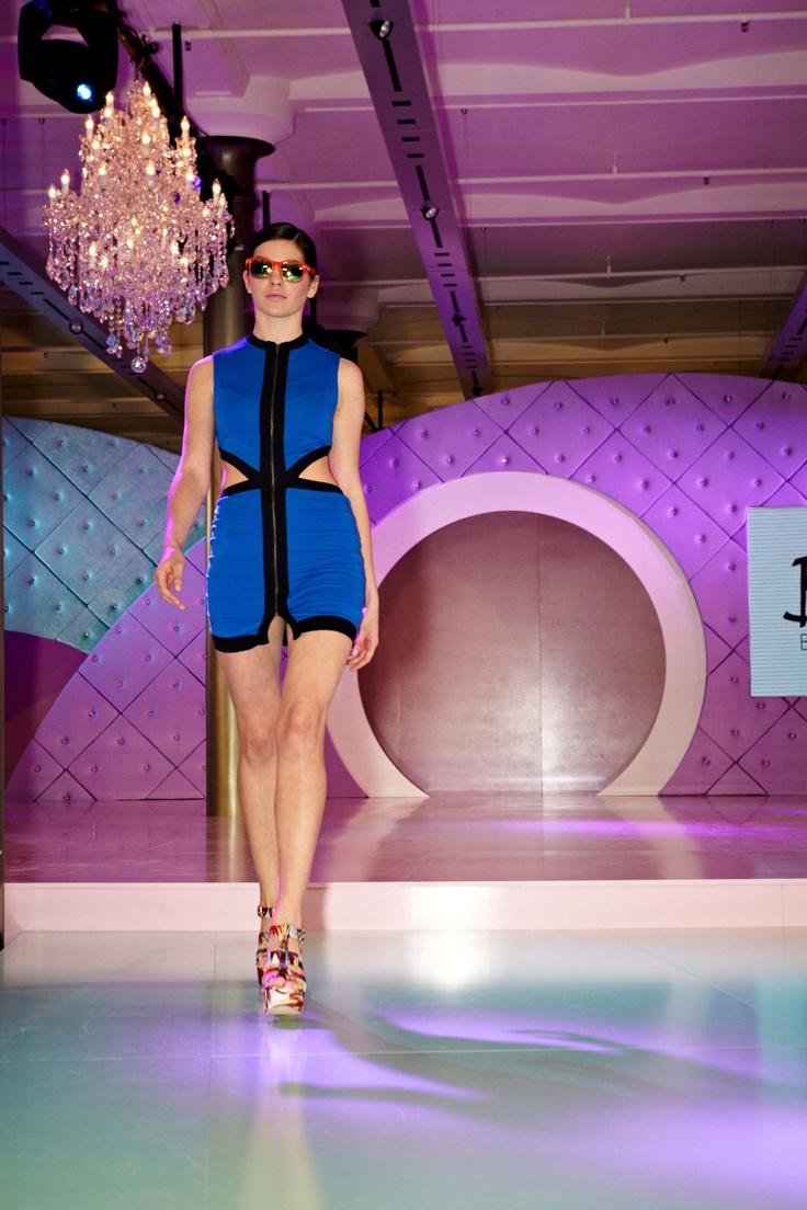Graphic blue minidress from Bardot @ 30 days of Fashion & Beauty