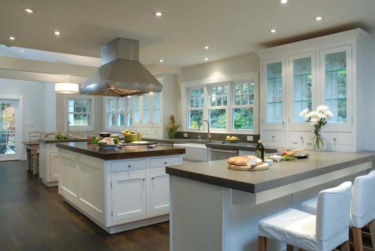 Traditional Hampton Farm Ranch With Custom Modern Small Bones Replica Kitchen