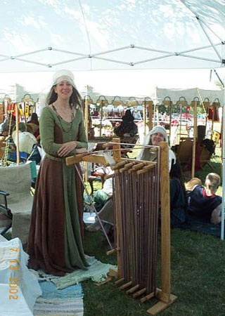 holy cow, now THAT'S quite the inkle loom!