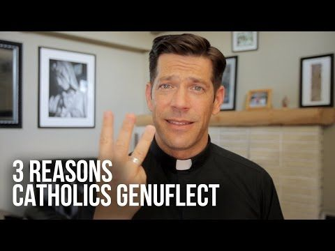 3 Reasons Why Genuflecting Is So Important, According to Fr. Mike (Ugh, I love Fr. Mike) Schmitz | ChurchPOP