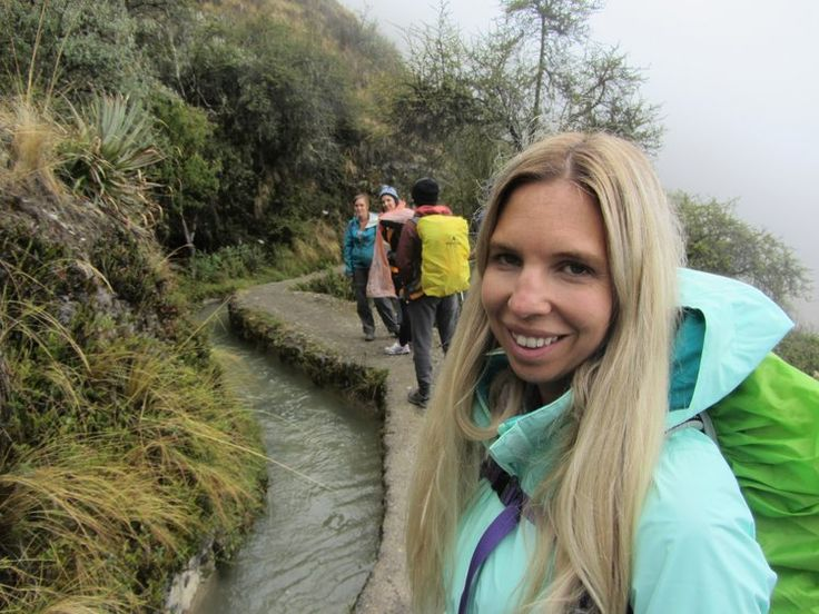 ant de bien prévoir vos déplacements au Pérou, histoire de permettre à votre corps de vous adapter au manque d'oxygène.  Nous avons bâti notre itinéraire avec cette philosophie. Arequipa (2335m),  Puno (3827m), Cusco (3400m), Col du Salkantay (4460 m)