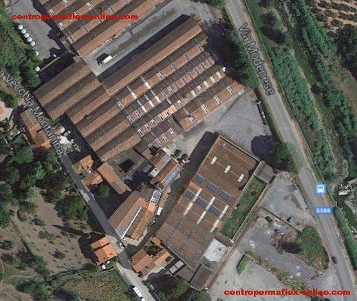 Vista aerea d'insieme di tutti i vecchi impianti Permaflex di Gello.