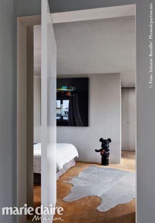 Un appartamento con vista sui tetti di Parigi Una dimora dove le citazioni del passato incontrano il lifestyle contemporanee.