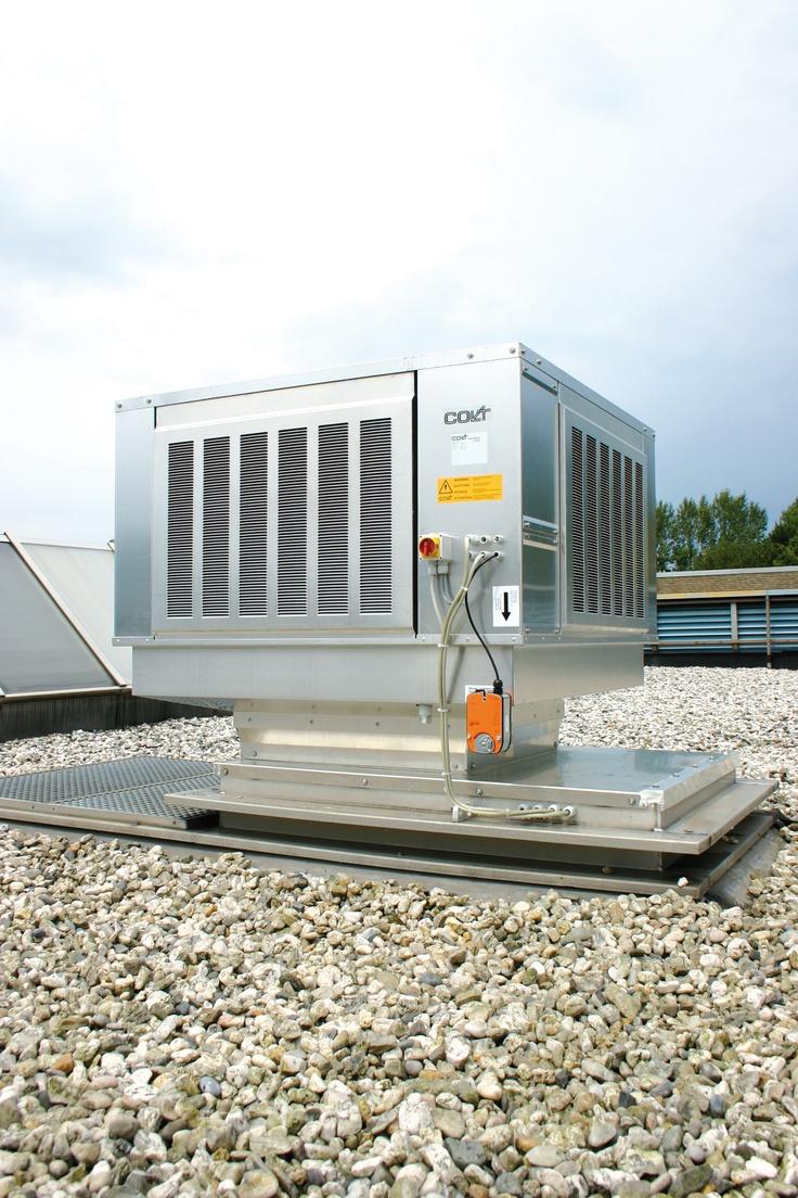 Colt CoolStream - adiabate Kühlung, Verdunstungskühler für die industrielle Kühlung  Der CoolStream ist ein natürliches Kühlsystem und Lüftungssystem, das nach dem Prinzip der adiabatischen Verdunstung arbeitet.  Verdunstungskühlung ist eine effiziente und effektive Alternative zu konventioneller Klimatisierung, besonders in Lager- und  Produktionsstätten, welche ansonsten allein durch ihre Größe nicht kostenbewusst klimatisiert werden können.
