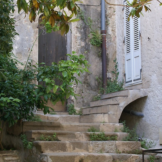 Old stone farmhouse with glorious age and charm. #fernchcountry #stone #cottage #frenchfarmhouse #outdoorinspiration