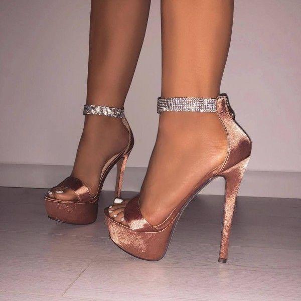 Sandales à talon aiguille bride strass – Champagne