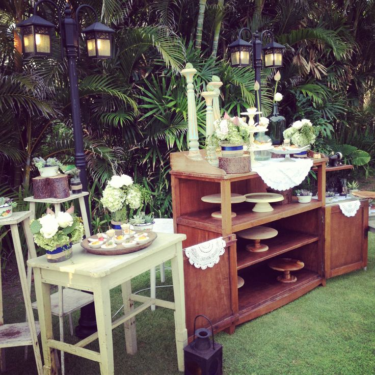 Canape table