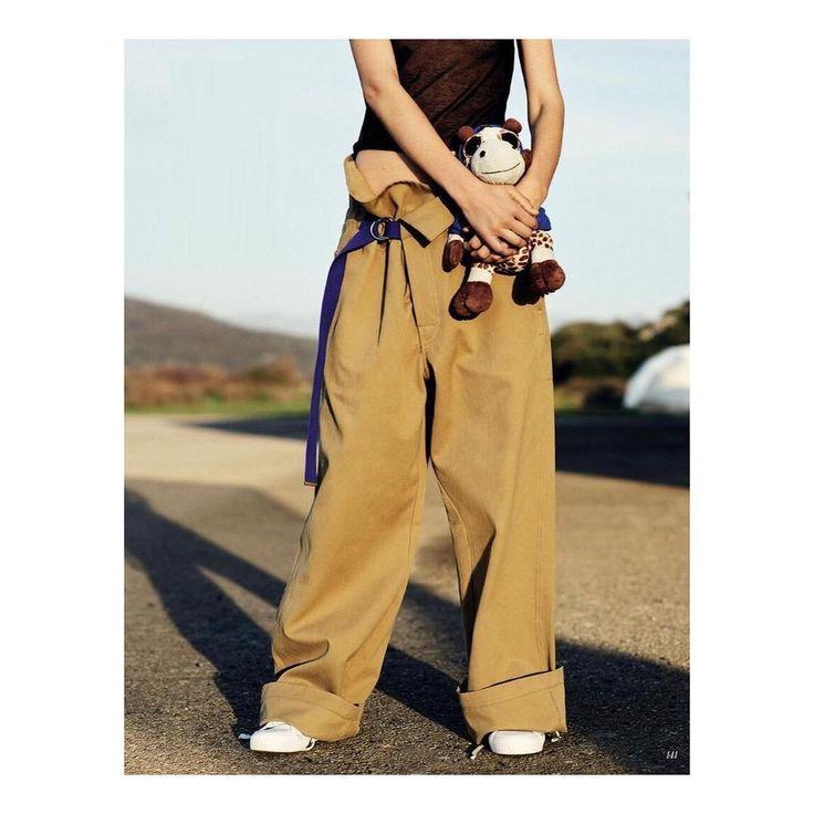 """좋아요 1,419개, 댓글 11개 - Instagram의 JOSEPH(@josephfashion)님: """"AS SEEN IN // The men's Sierra trouser, worn by her, for @voguerussia. Shop via link in bio //…"""""""